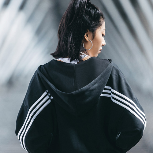 黑白之境再现,adidas 运动表现系列创造新经典